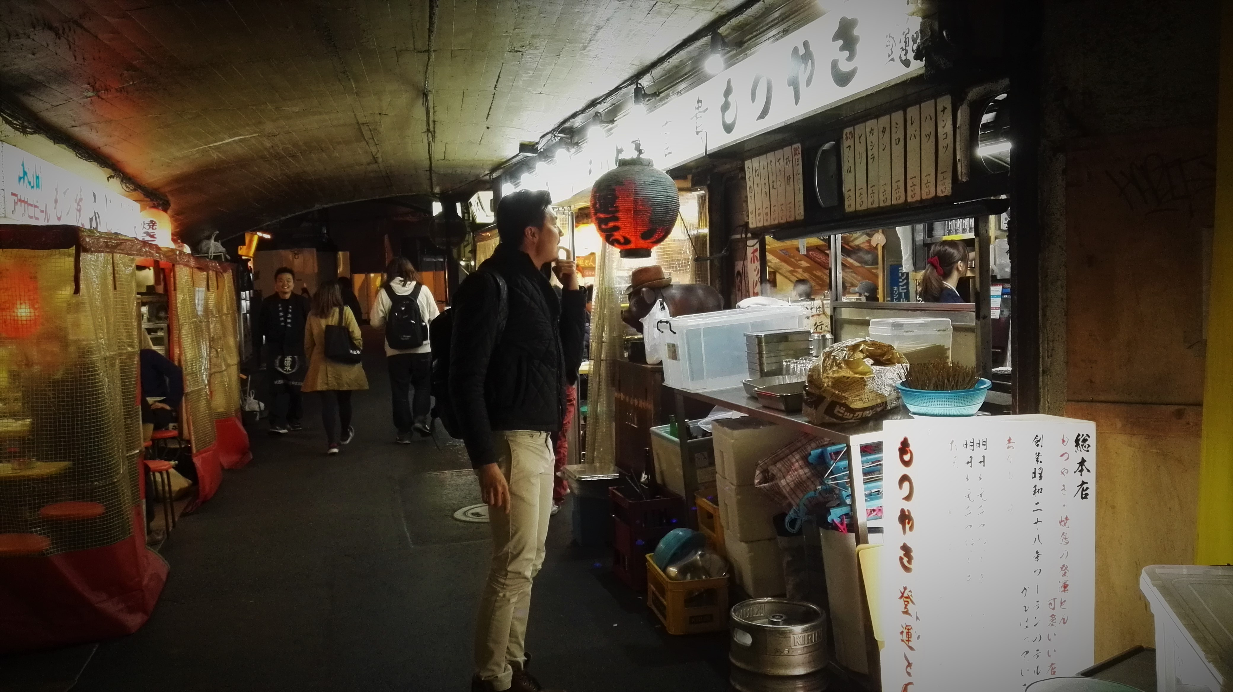 Carry It Like Harry - Eat like a local at Yakitori Ton Ton 登運とん in Tokyo's Yakitori Alley