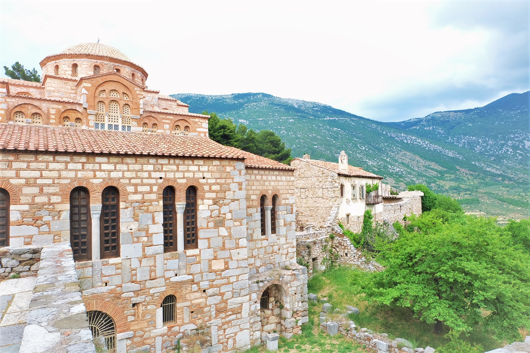 Carry It Like Harry - The Monastry of Hosios Loukas Ὅσιος Λουκᾶς: Greece's Byzantine Jewel