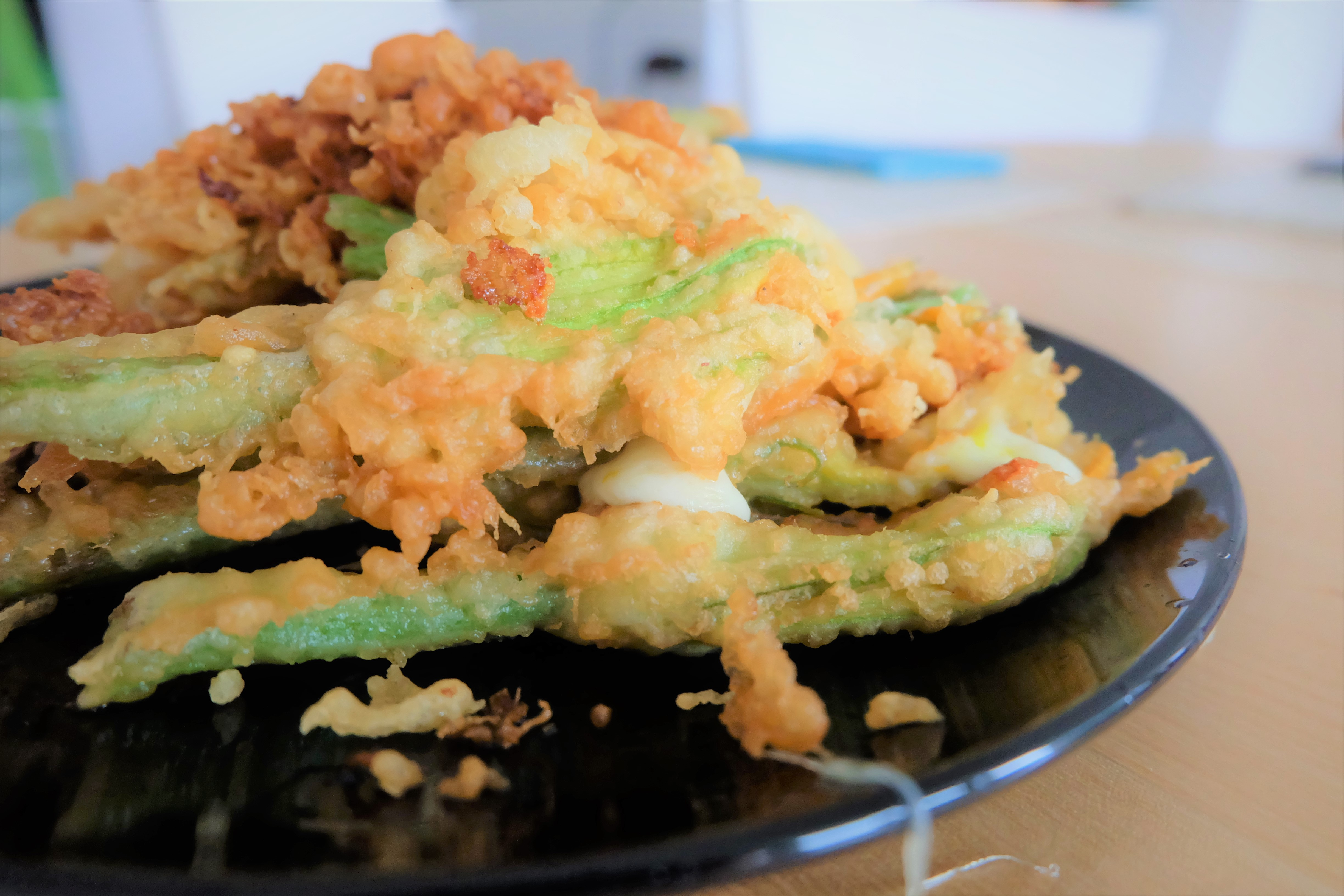 Carry It Like Harry - Fried courgette flowers - Fiori di zucca fritti