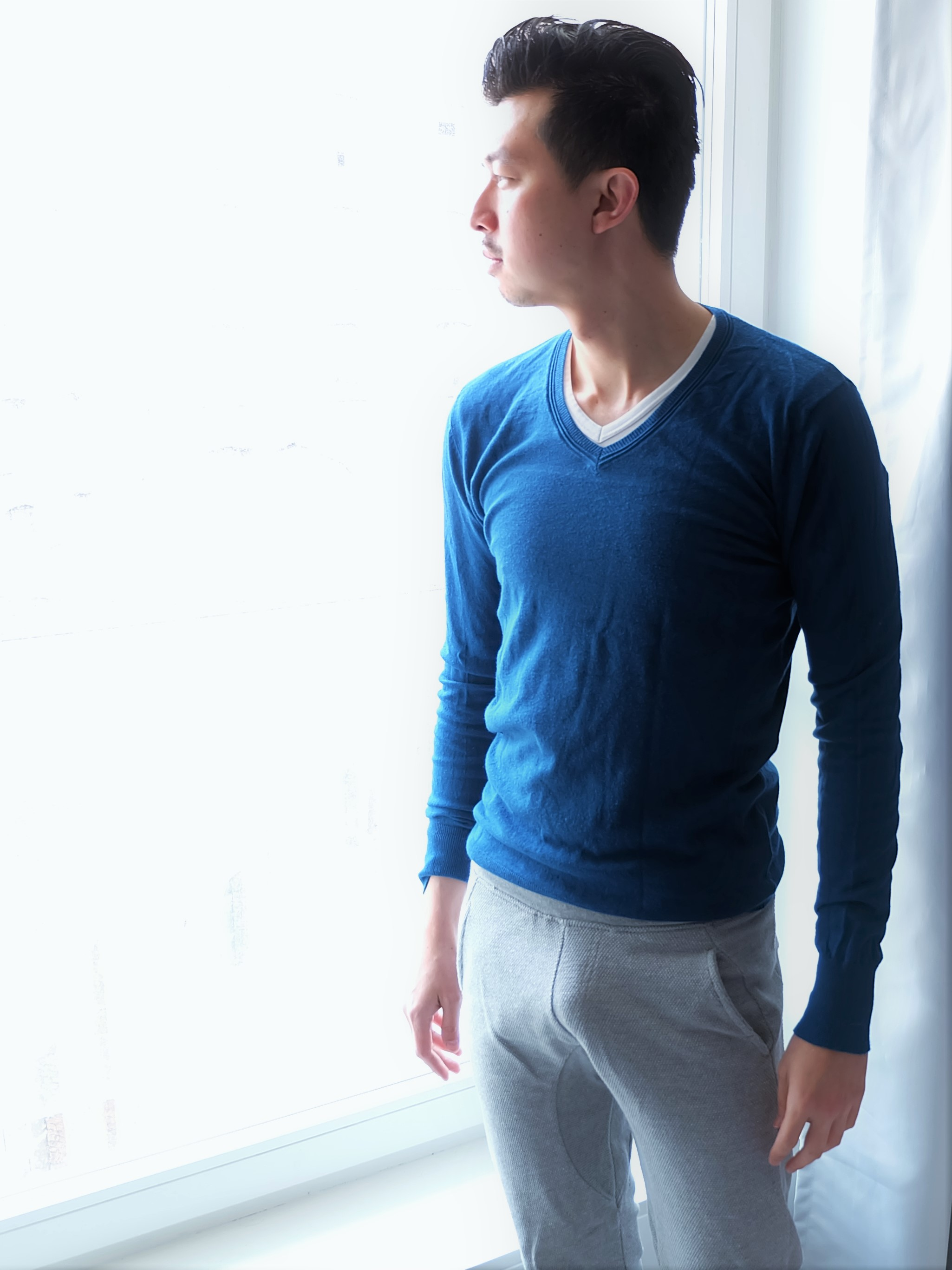 Carry It like Harry - Why a teal sweater is a must for a man's closet