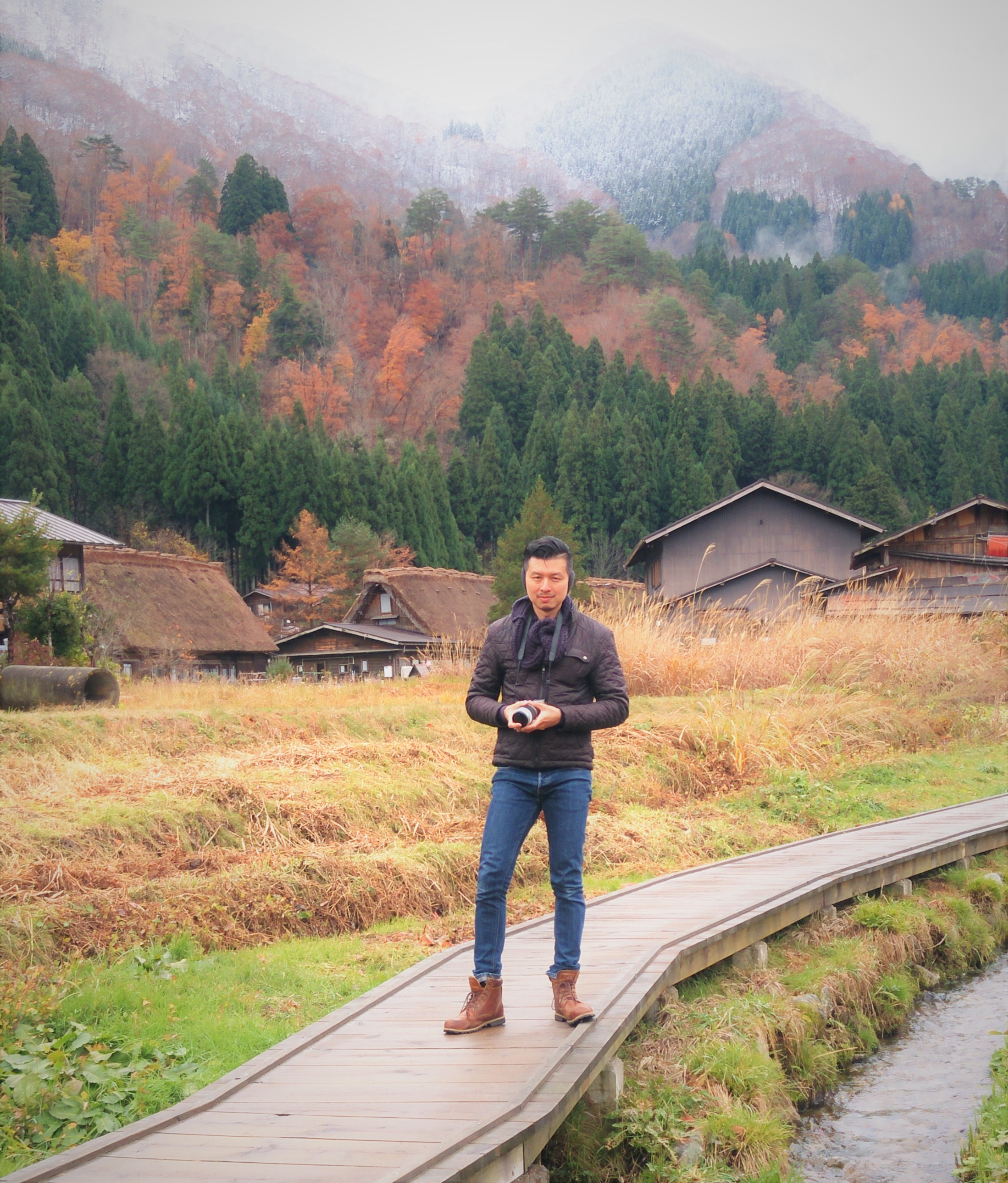 Carry It Like Harry - Explore the most beautiful village in Japan: Shirakawa-go 白川郷