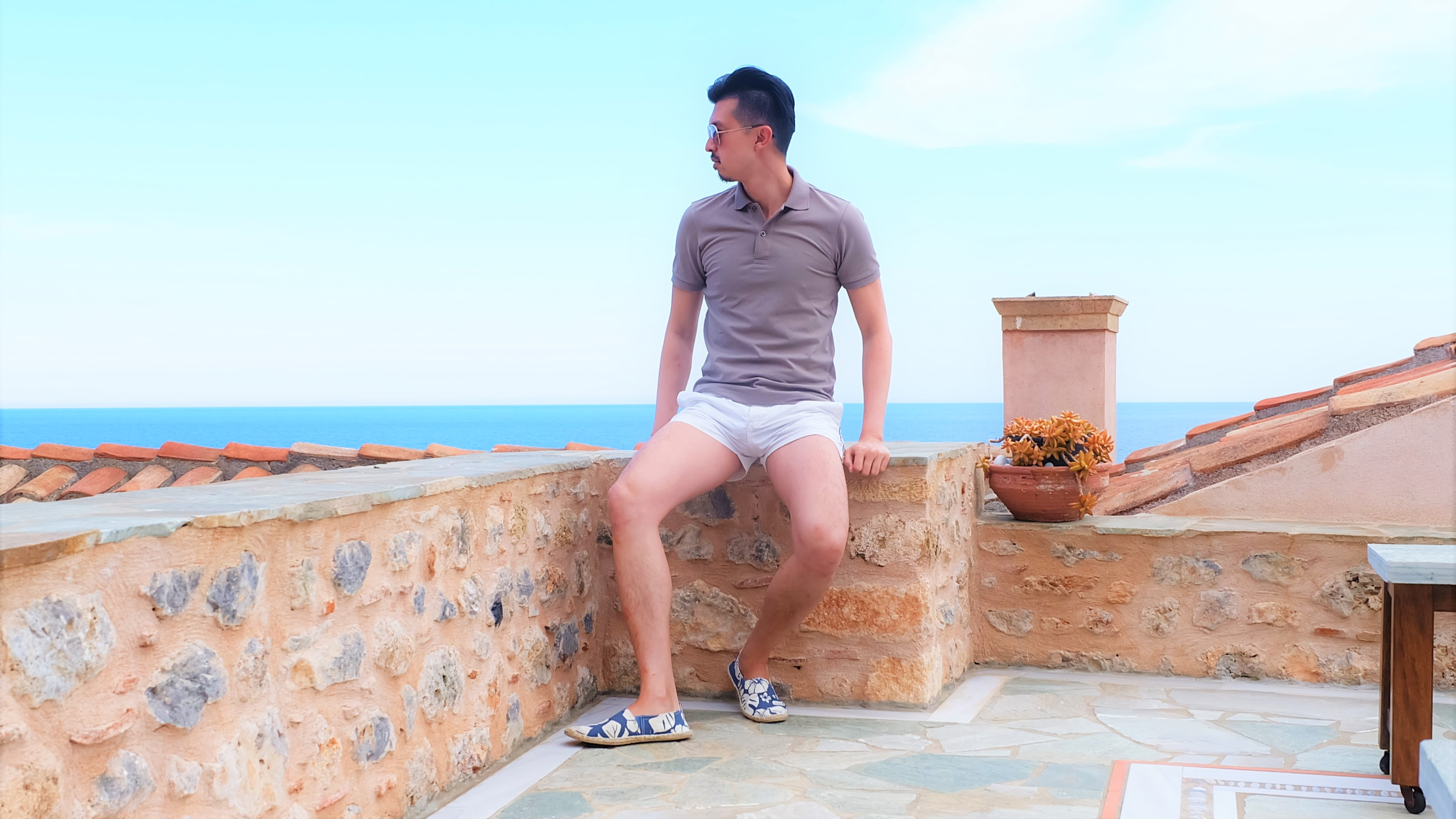 Carry It Like Harry - Theophano Art Hotel Monemvasia: Fall asleep while counting the stars