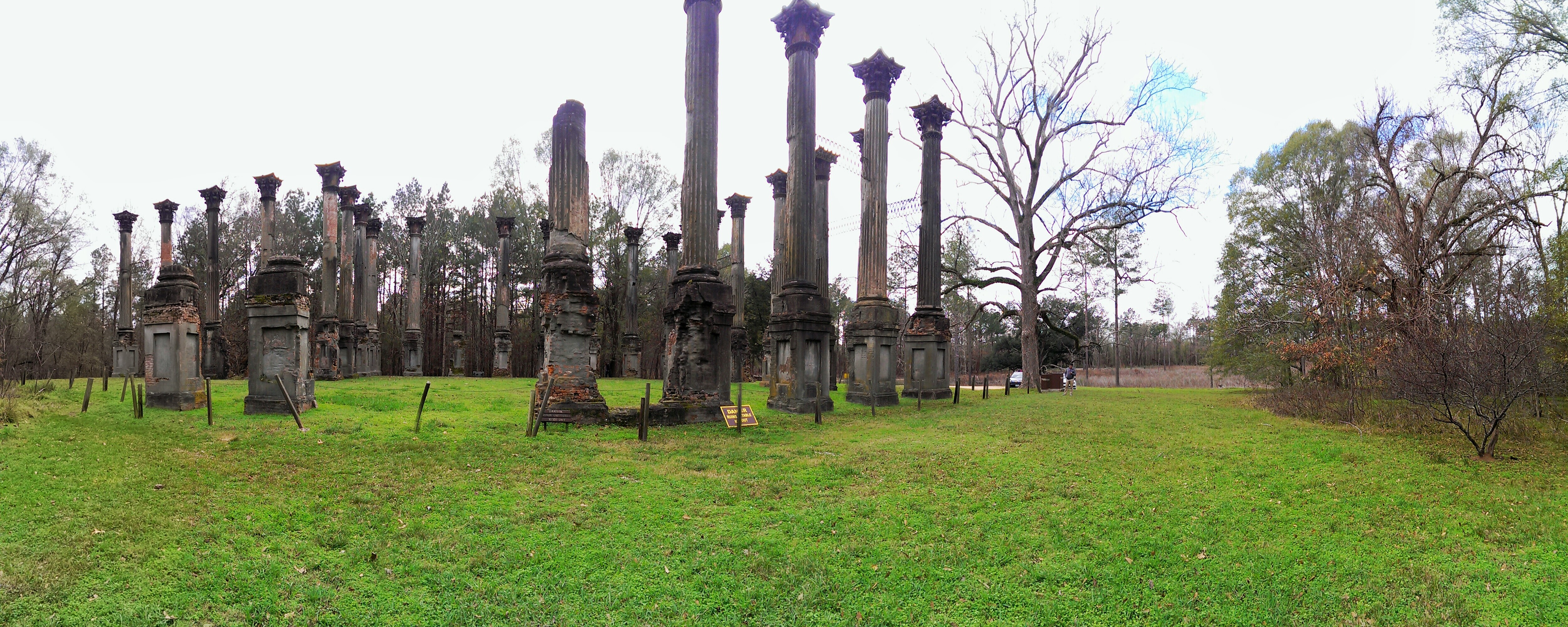 Carry It Like Harry - Haunted Sites along the Mississippi: Visit Vicksburg, Rocky Springs and the Windsor Ruins