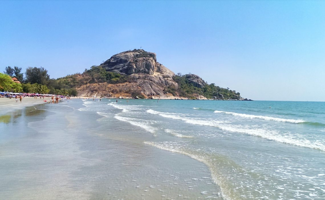 Carry It Like Harry - Flee the plebeians by joining the rich in Huahin